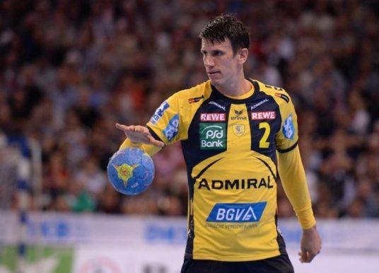 Шмид доби нов договор кој ќе го задржи во Бундес-лигата